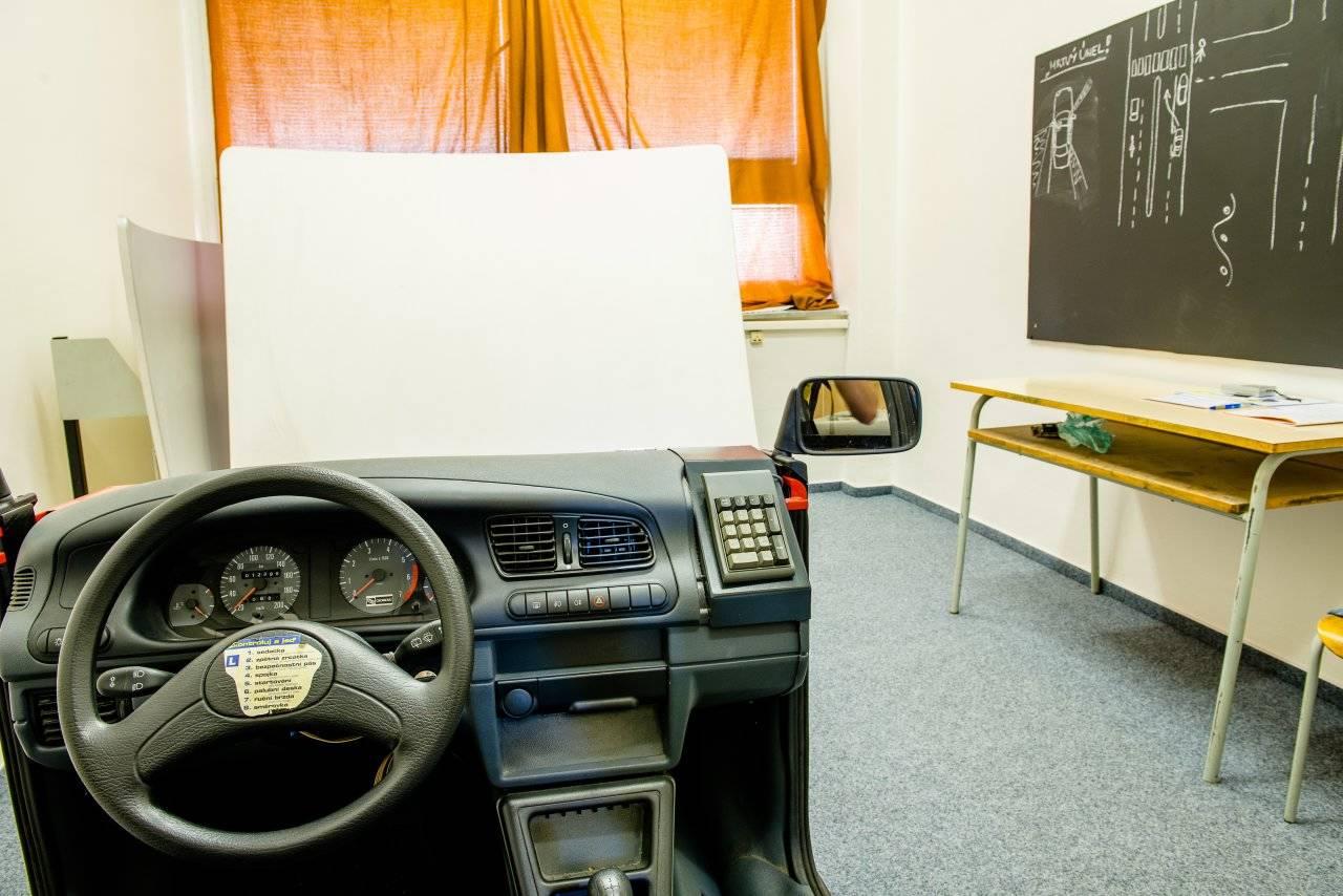 Střední škola automobilní a informatiky