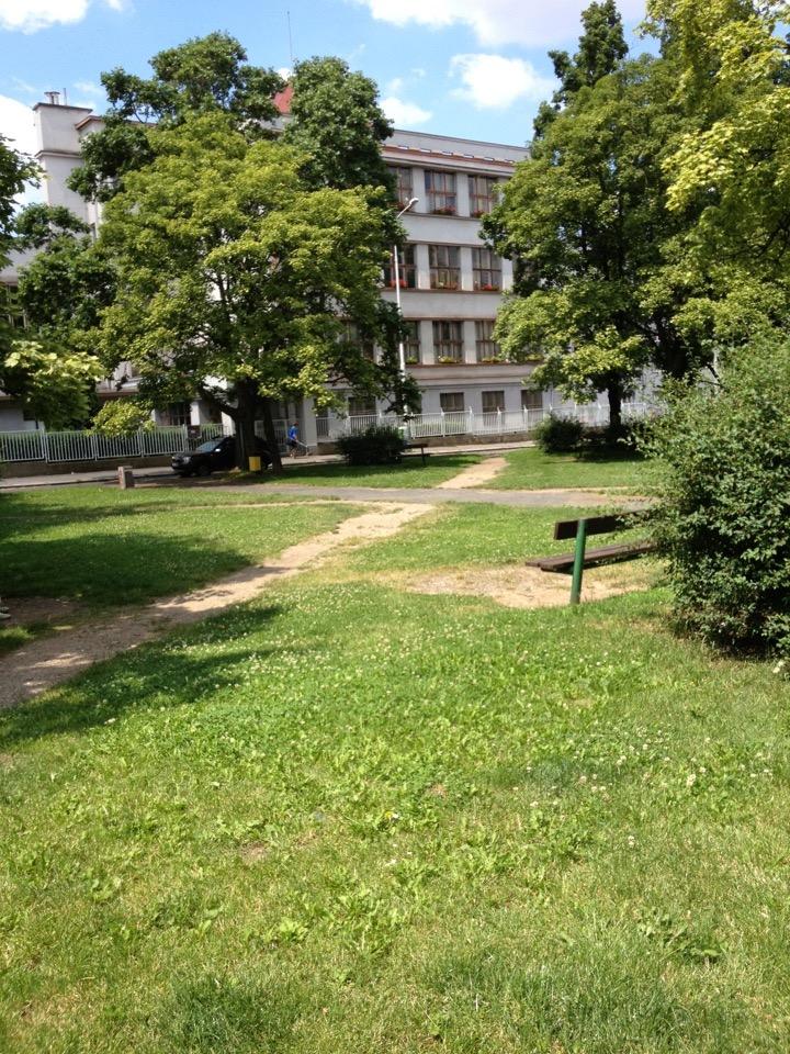 Základní škola U Vršovického nádraží