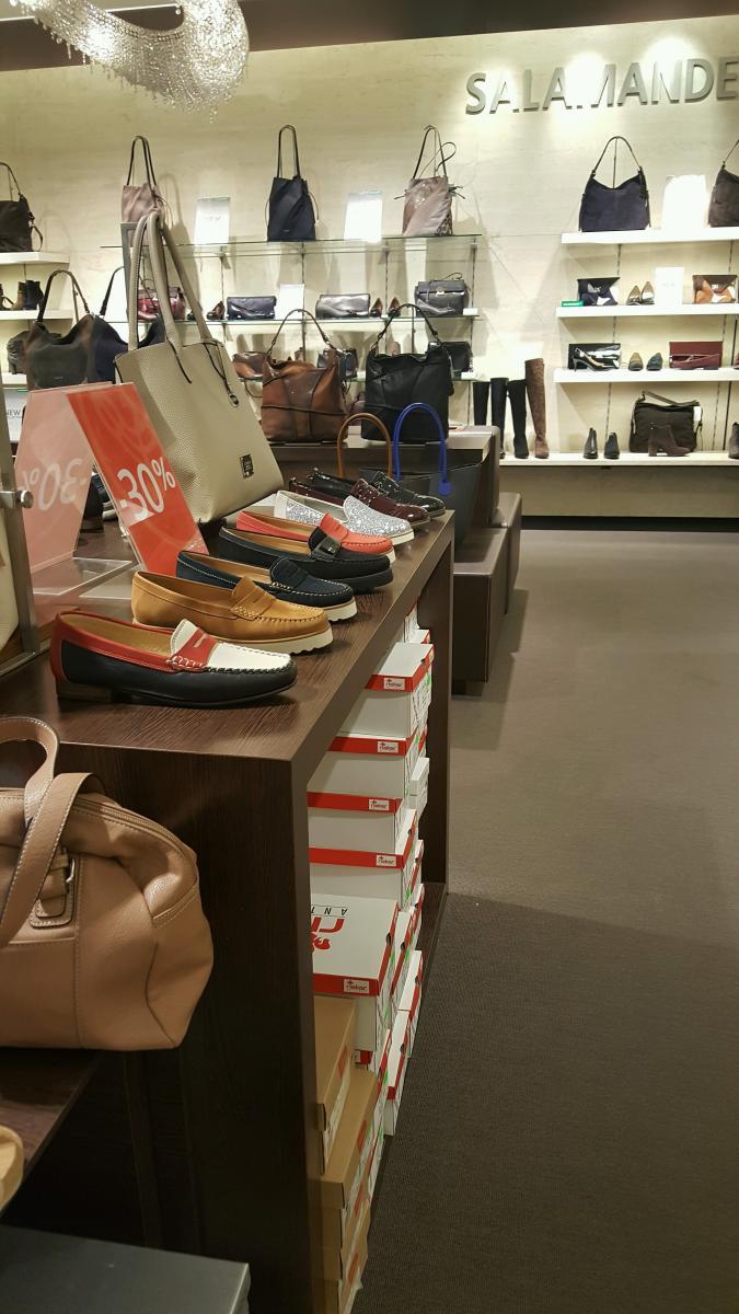 Síť obchodů s obuví Salamander
