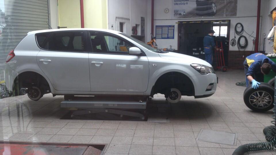 Autoservis pneu-ŠAFRÁNEK