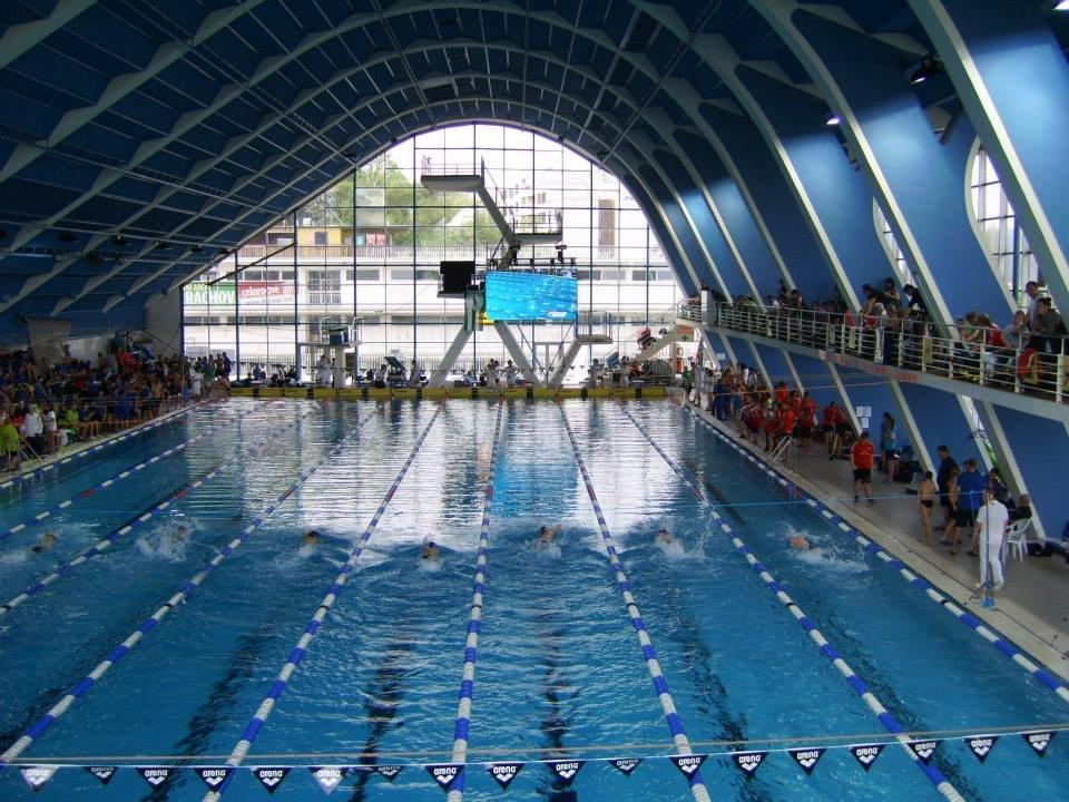 Plavecký stadion Podolí